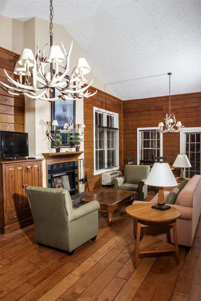 Living Room, Brasstown Valley Resort & Spa