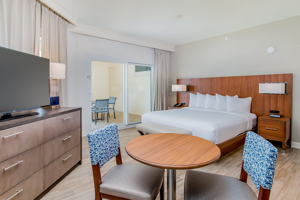 Room, Hilton Pensacola Beach