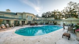 Town & Country Inn and Suites - Charleston Hotels