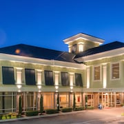 Hotels In West Ashley Town Country Inn And Suites