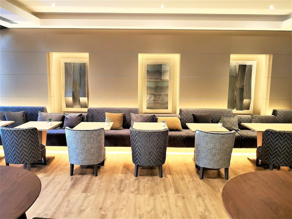 AC Hotel Genova by Marriott (Genova, Italia) | Expedia.it