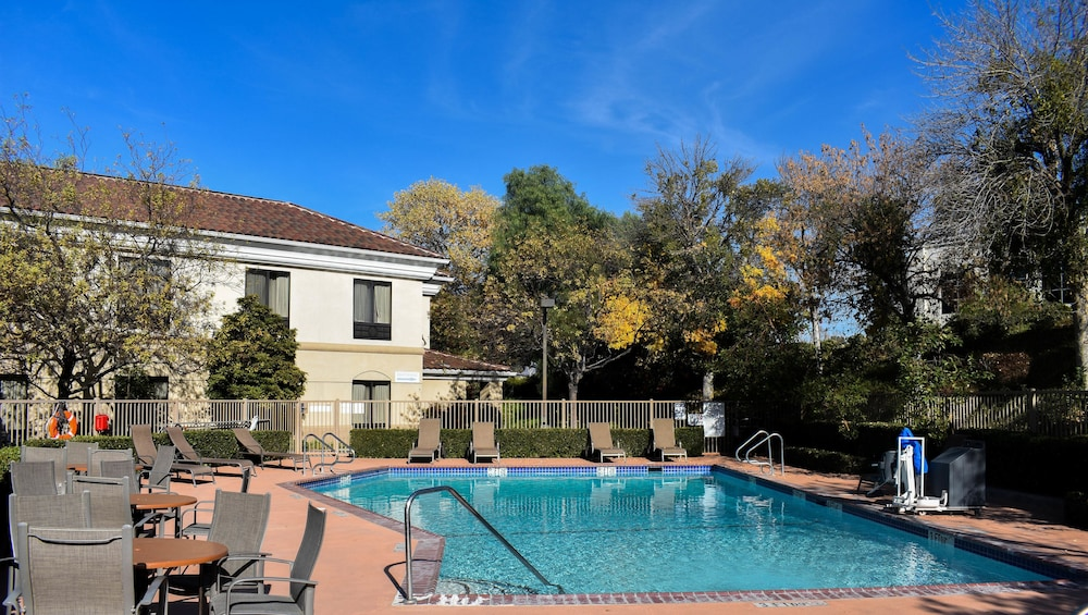 Outdoor Pool, Best Western Valencia/Six Flags Inn & Suites