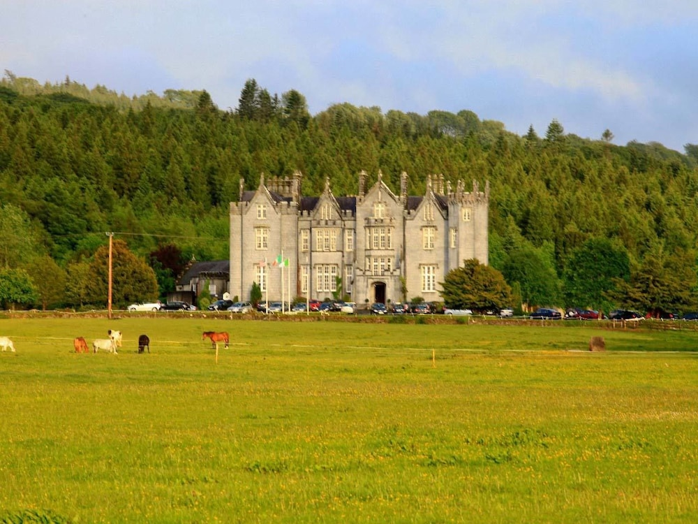 Front of Property, Kinnitty Castle Hotel