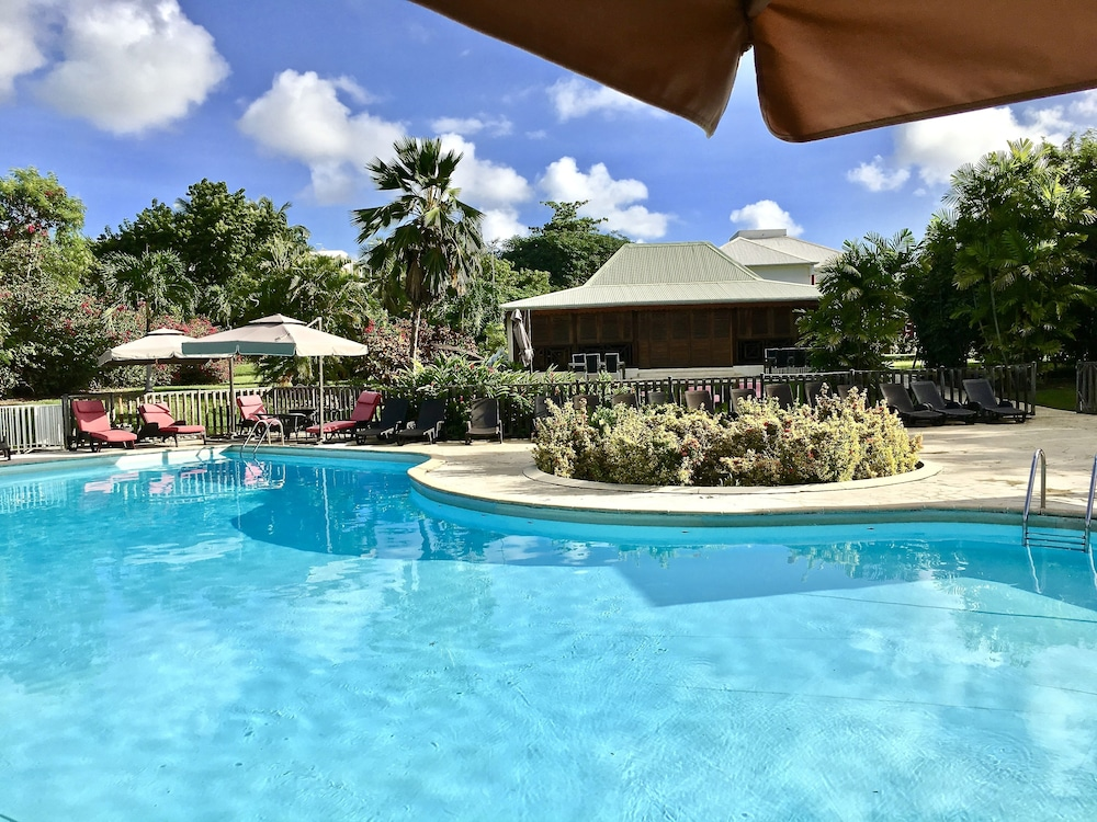 R sidence le vallon in guadeloupe hotel rates reviews for Hotels guadeloupe