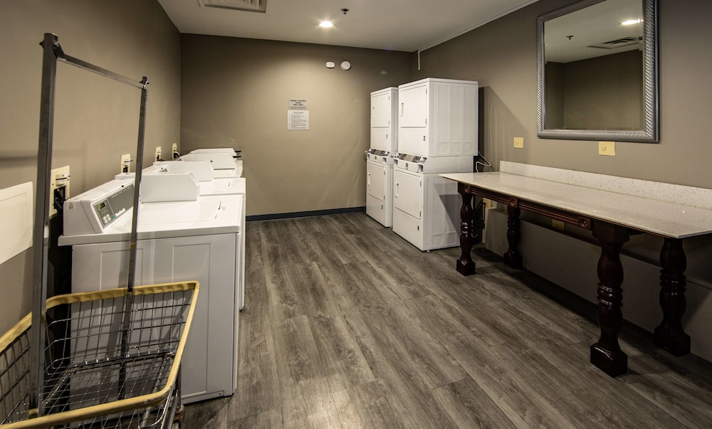 Laundry Room, Best Western Plus Duluth / Sugarloaf