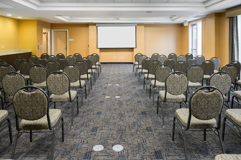 Meeting Facility, Holiday Inn Express Hotel & Suites Vacaville, an IHG Hotel
