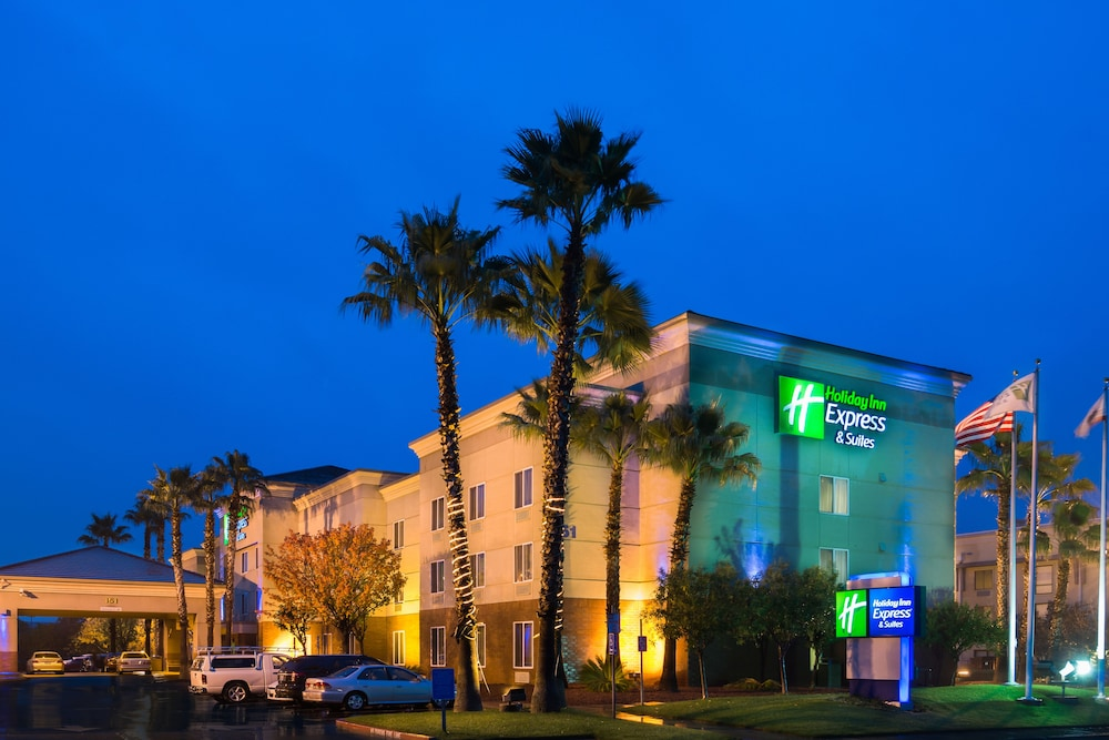 Exterior, Holiday Inn Express Hotel & Suites Vacaville, an IHG Hotel