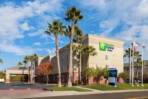 Holiday Inn Express Hotel & Suites Vacaville, an IHG Hotel
