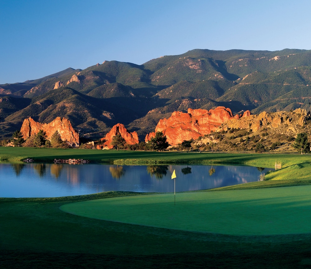 Golf, Garden of the Gods Resort and Club