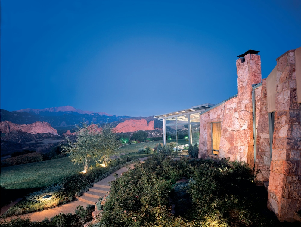 Exterior, Garden of the Gods Resort and Club