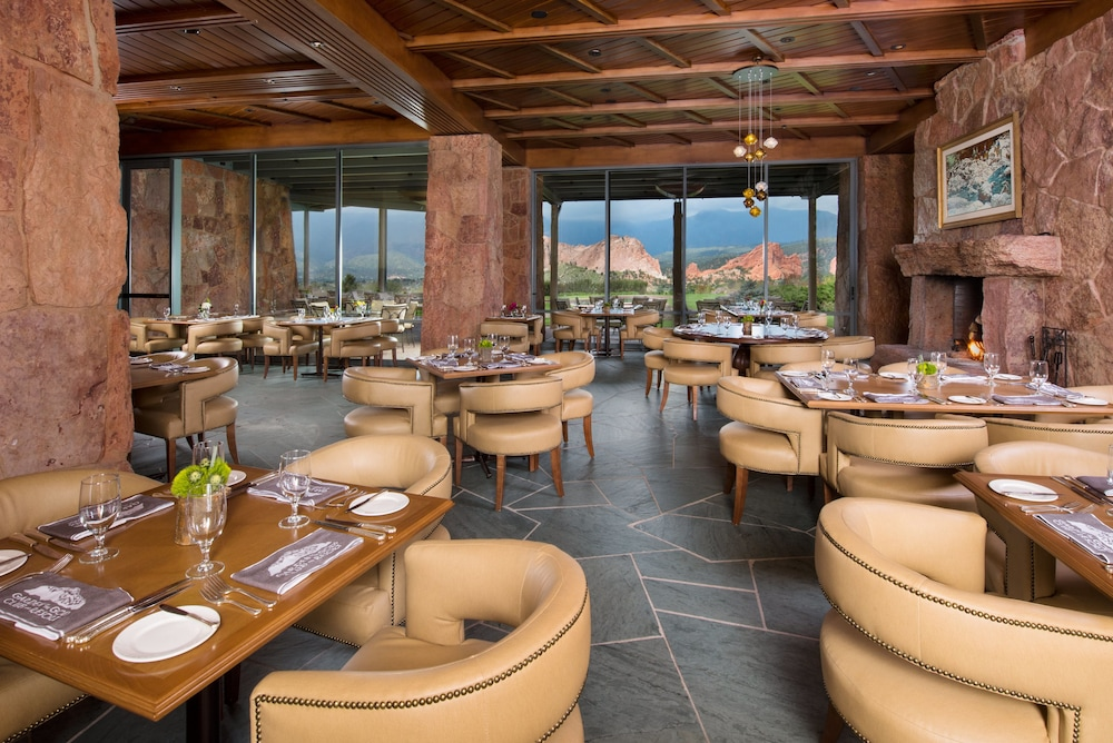 Restaurant, Garden of the Gods Resort and Club