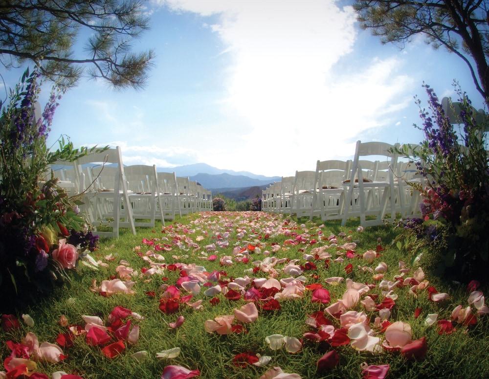 Garden of the gods club and resort colorado springs usa - Restaurants near garden of the gods ...