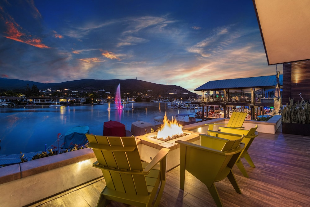 Terrace/Patio, Lakehouse Hotel and Resort