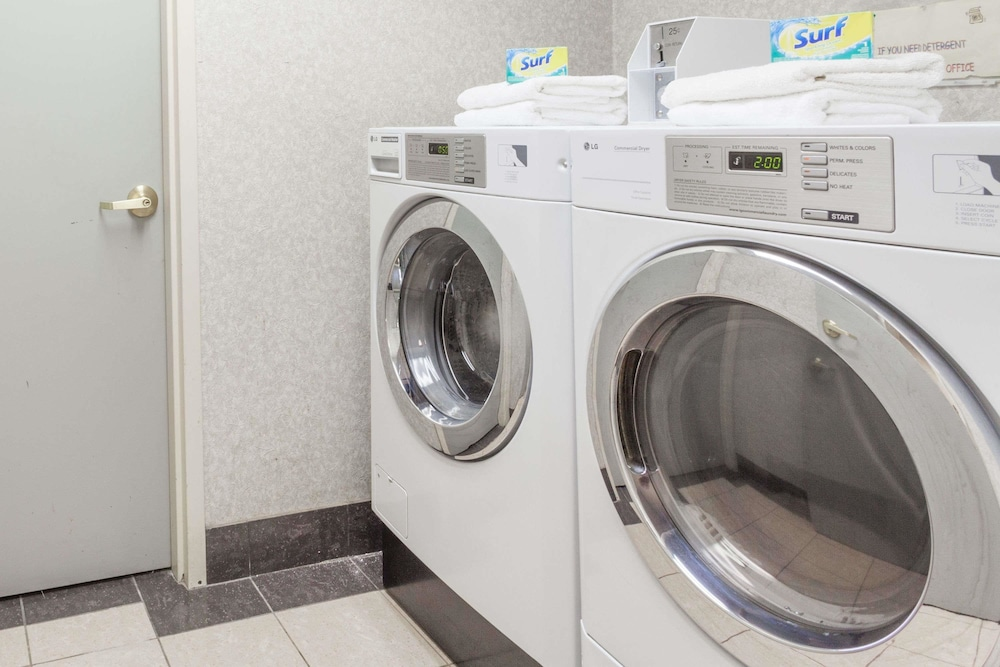 Laundry Room, Days Inn & Suites by Wyndham Huntsville