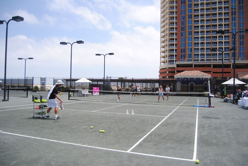 Tennis Court, Portofino Island Resort