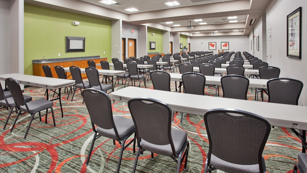 Meeting Facility, Holiday Inn Express Fremont, an IHG Hotel