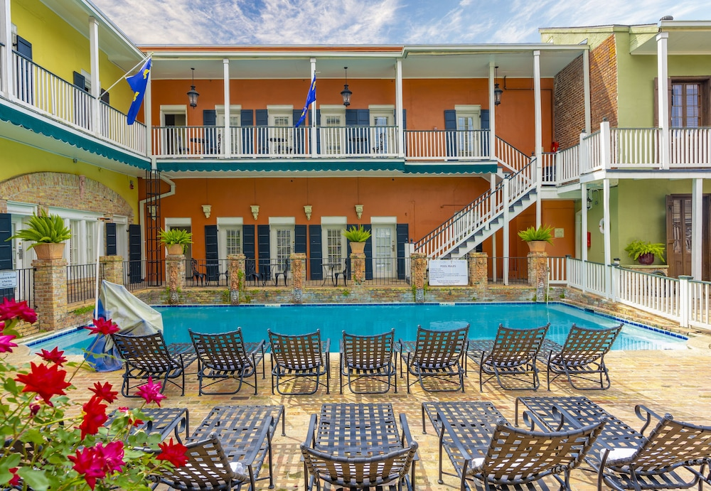 French Quarter Hotels >> French Quarter Suites Hotel In New Orleans Hotel Rates Reviews