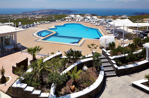 Orizontes Hotel And Villas Santorini
