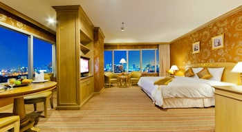Executive Suite, 1 King Bed - Guestroom