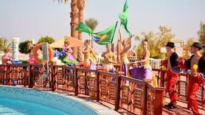 Indoor pool, 4 outdoor pools, pool umbrellas, pool loungers