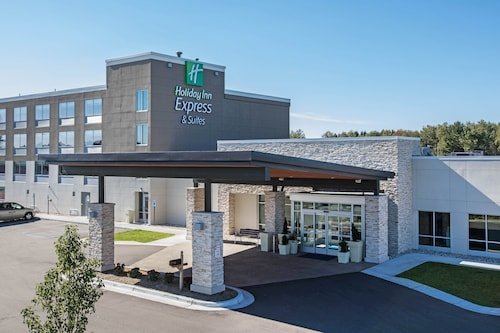 Holiday Inn Express & Suites Ludington, an IHG Hotel