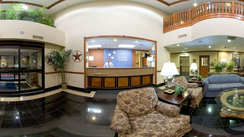 Lobby Sitting Area, Holiday Inn Express & Suites Houston - Memorial Park Area, an IHG Hotel