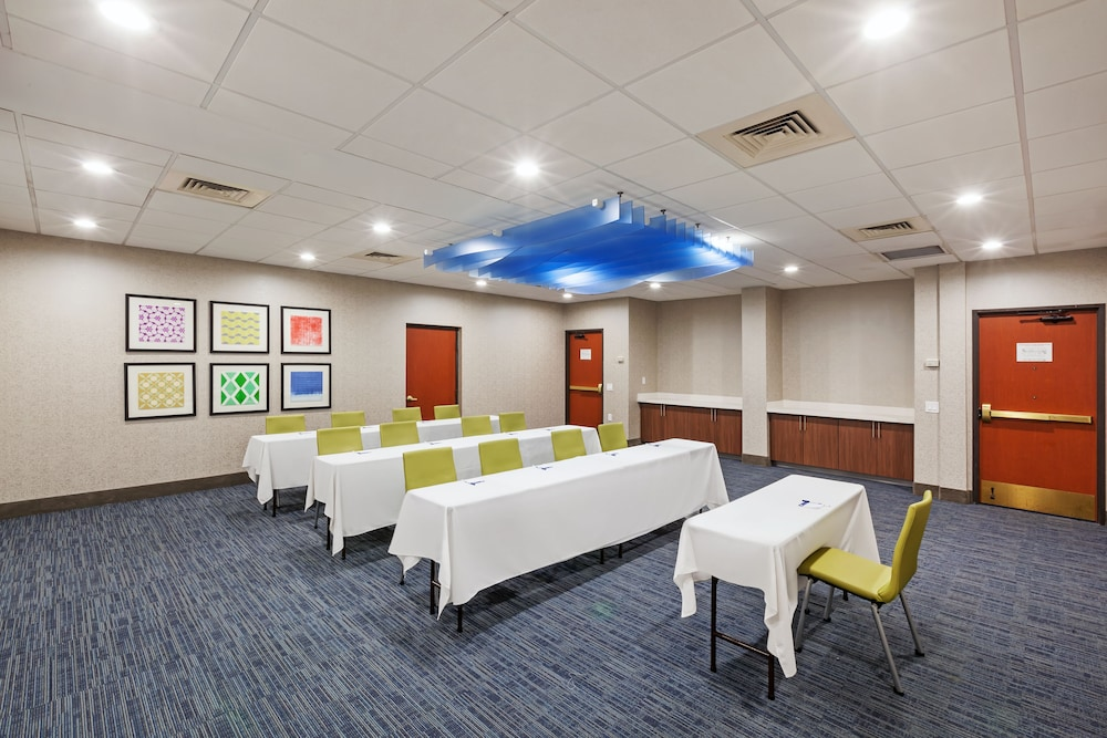 Meeting Facility, Holiday Inn Express & Suites Houston - Memorial Park Area, an IHG Hotel