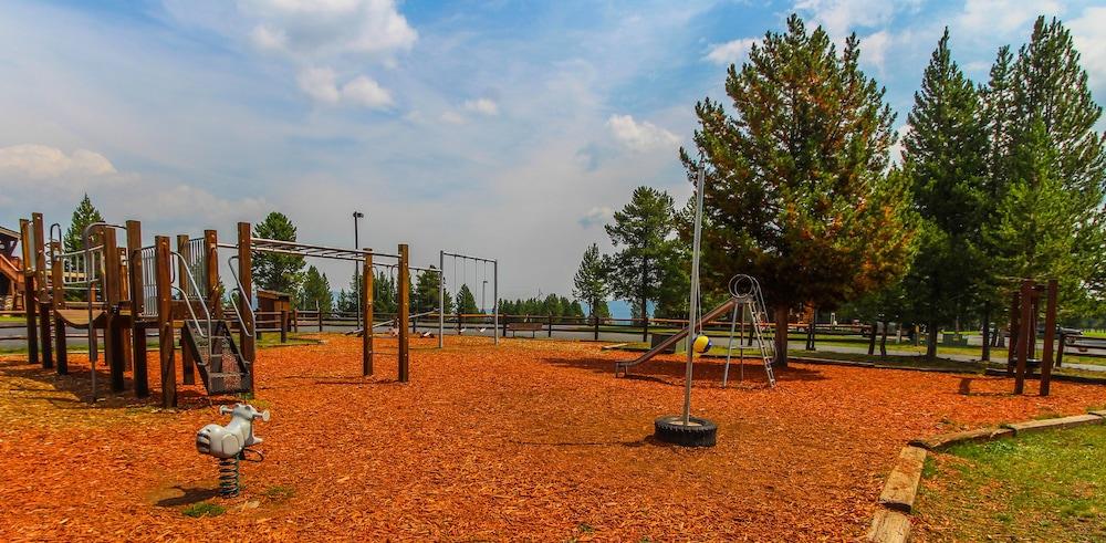 Bugs play park deals