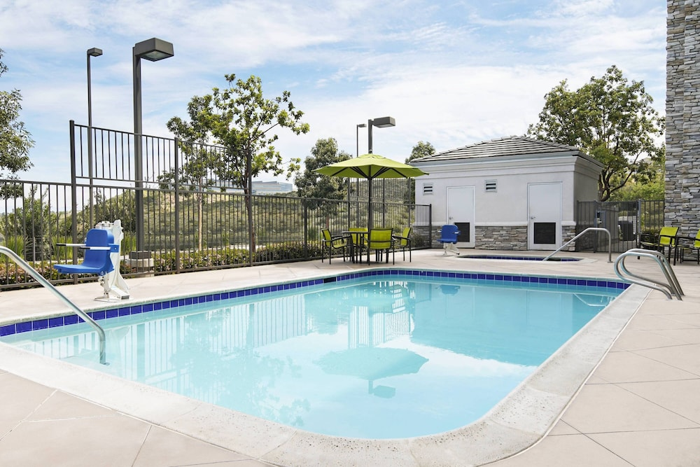 Pool, SpringHill Suites by Marriott San Diego-Scripps Poway