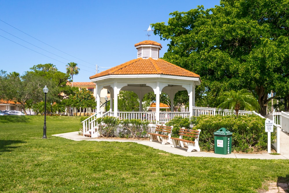 Gazebo, Inn at the Beach
