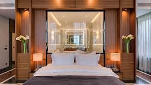 Sengetøy av topp kvalitet, senger med Select Comfort-madrass og minibar