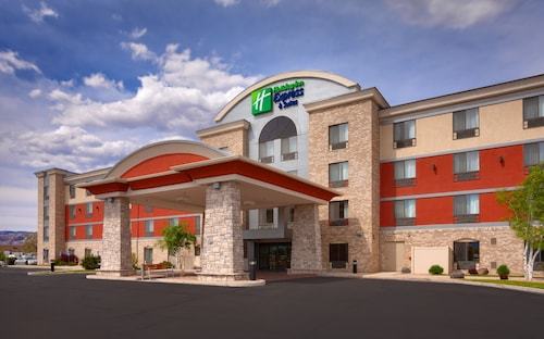 Great Place to stay Holiday Inn Express & Suites Grand Junction near Grand Junction