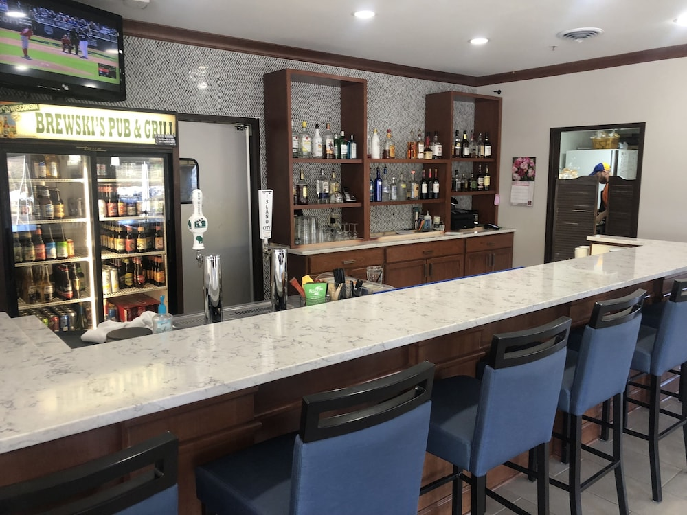 Bar, Best Western Plus Sparta Trail Lodge
