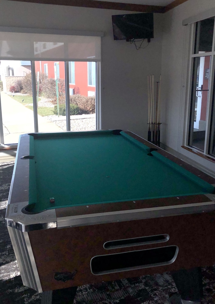 Billiards, Best Western Plus Sparta Trail Lodge
