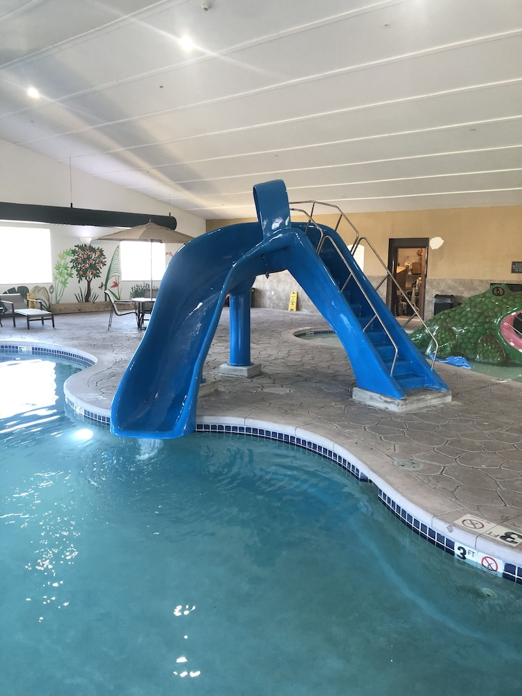 Waterslide, Best Western Plus Sparta Trail Lodge