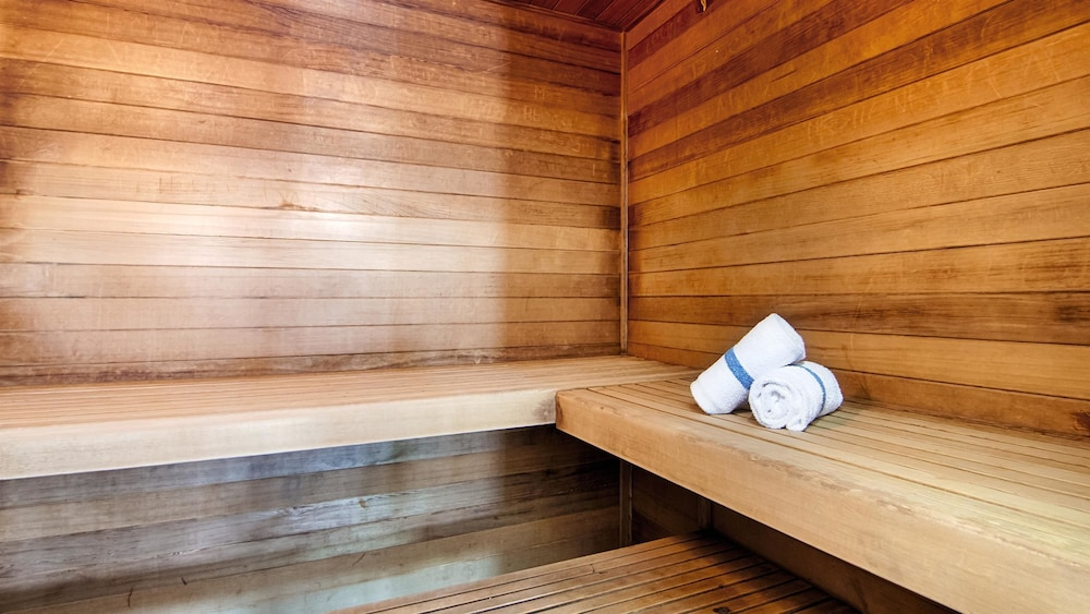 Sauna, Best Western Plus Sparta Trail Lodge