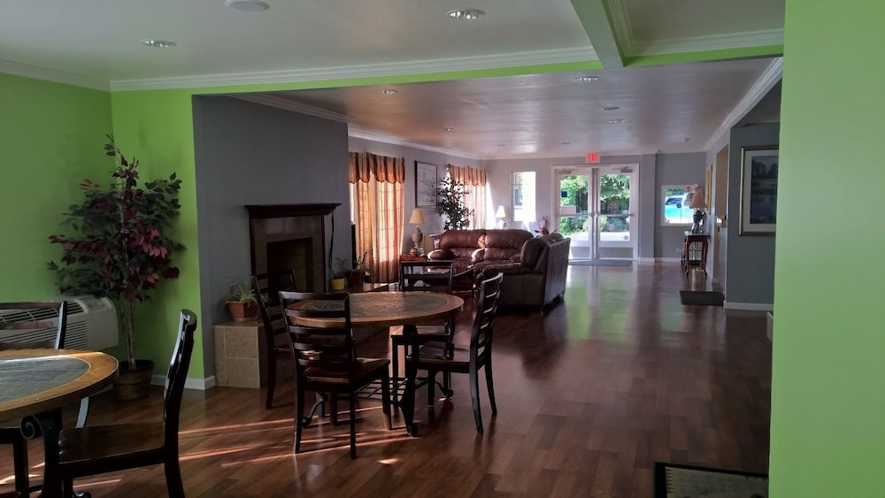 Breakfast Area, Heritage Inn Express Chico