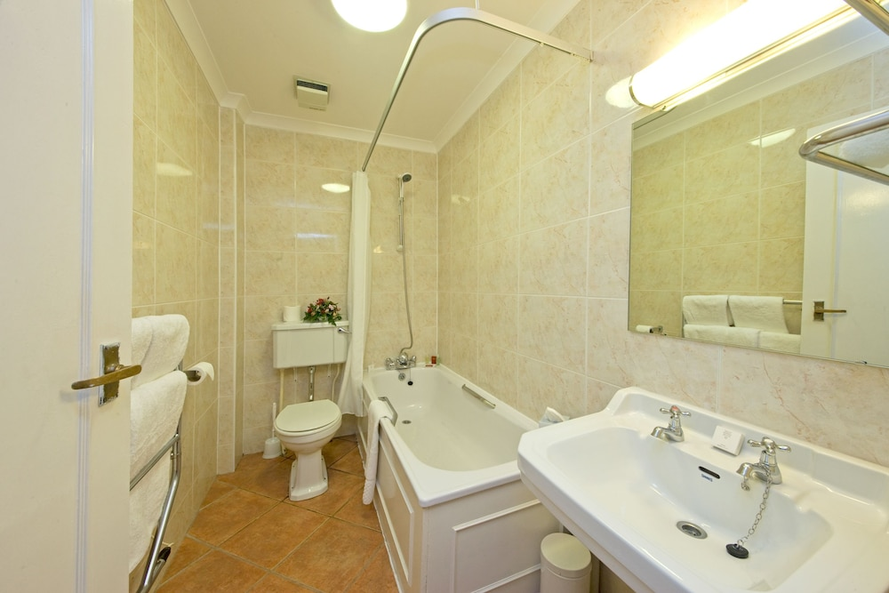 Bathroom, Muthu Newton Hotel (Near Inverness Airport)