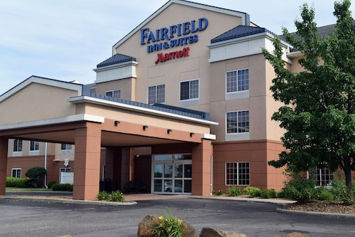 Check Expedia for Availability of Fairfield Inn and Suites by Marriott Youngstown