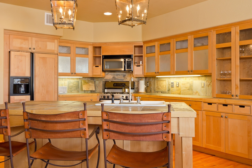 Private Kitchen, Lodges at Deer Valley