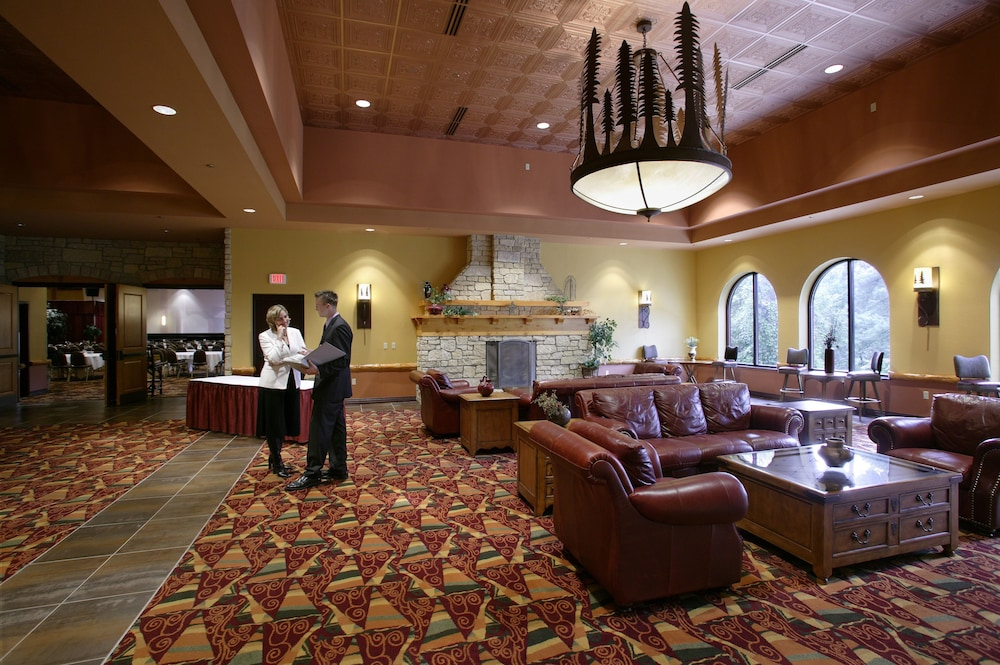 Chula vista resort in wisconsin dells cheap hotel deals rates street view featured image interior entrance solutioingenieria Gallery