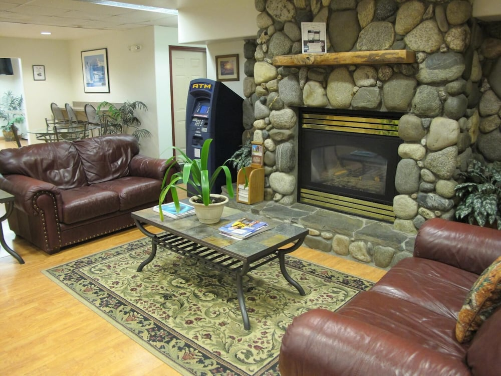 Lobby, Microtel Inn & Suites by Wyndham Eagle River/Anchorage Area