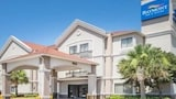Baymont Inn and Suites Clute - Clute Hotels