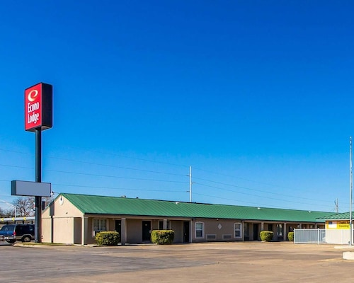 Check Expedia for Availability of Econo Lodge Bartlesville