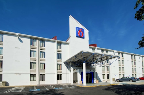 Motel 6 Washington DC SW-Springfield, VA