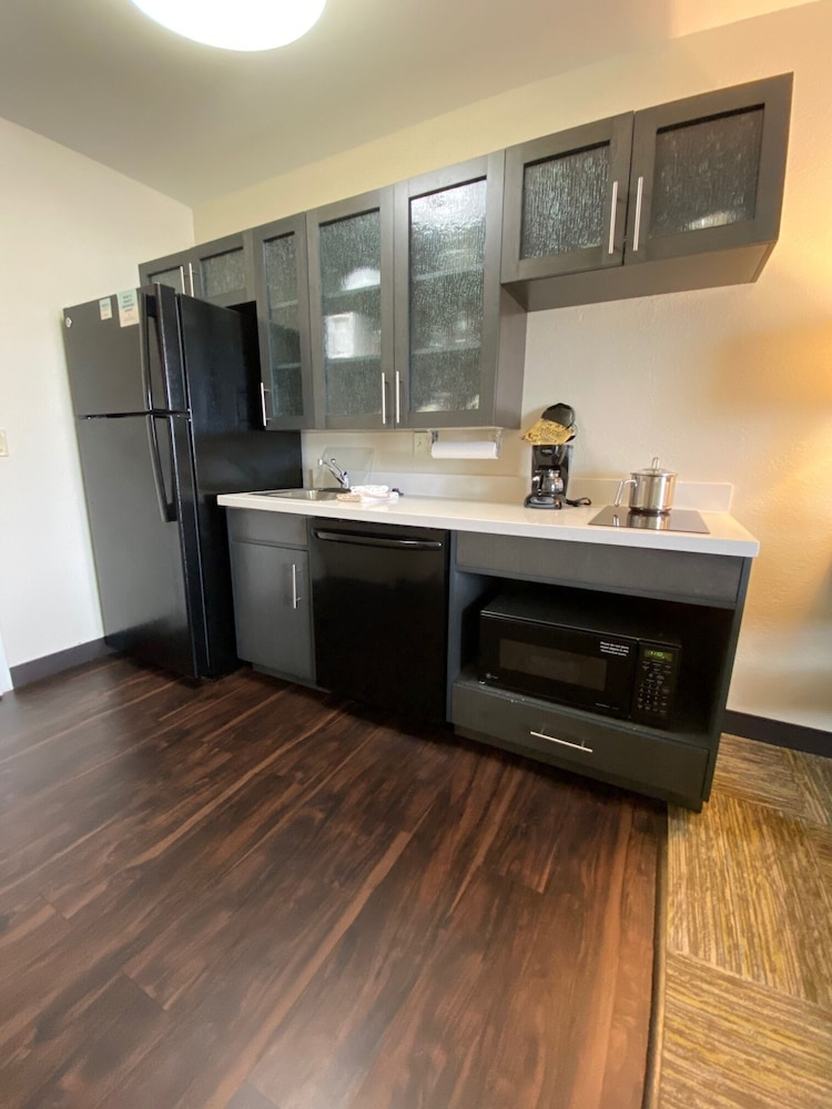 Private Kitchenette, Candlewood Suites Appleton, an IHG Hotel