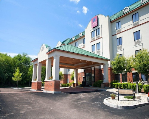 Check Expedia for Availability of Comfort Suites West Warwick - Providence