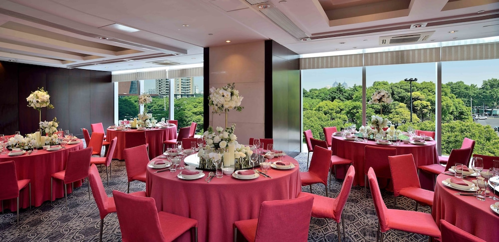 Banquet Hall, New World Shanghai Hotel