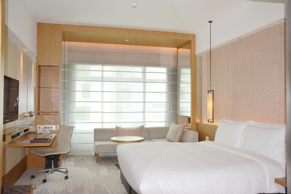Room, New World Shanghai Hotel