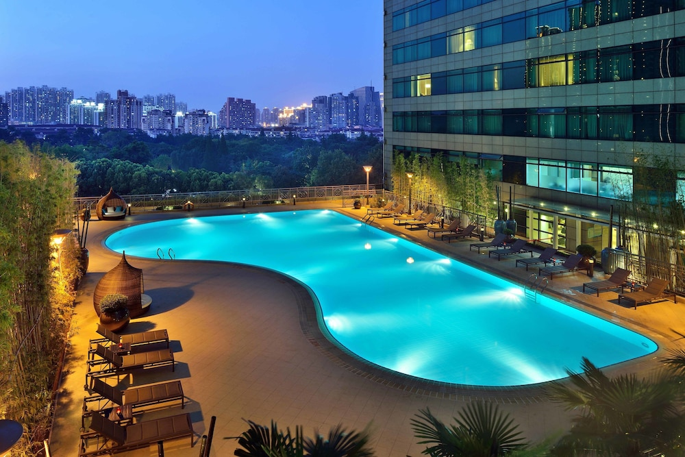 Outdoor Pool, New World Shanghai Hotel